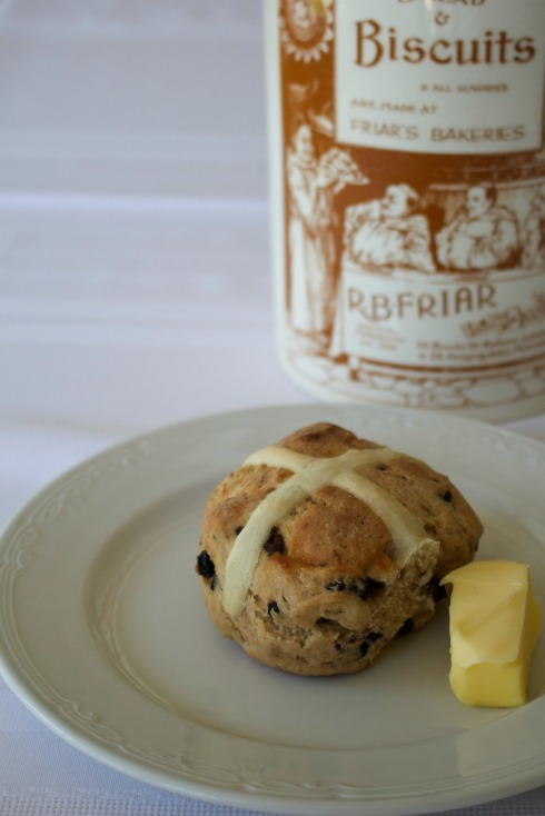 hot cross buns from scratch - The Hugry Mum. A lovely Easter recipe.
