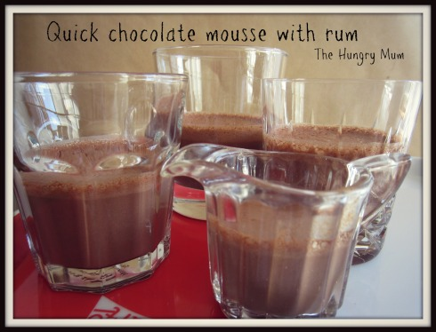 Quick chocolate mousse with rum