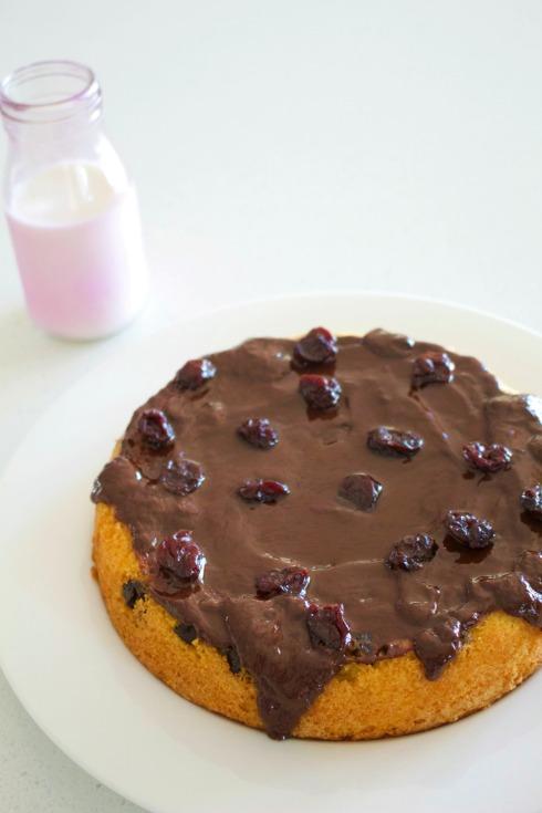 Cherry sponge cake - The Hungry Mum