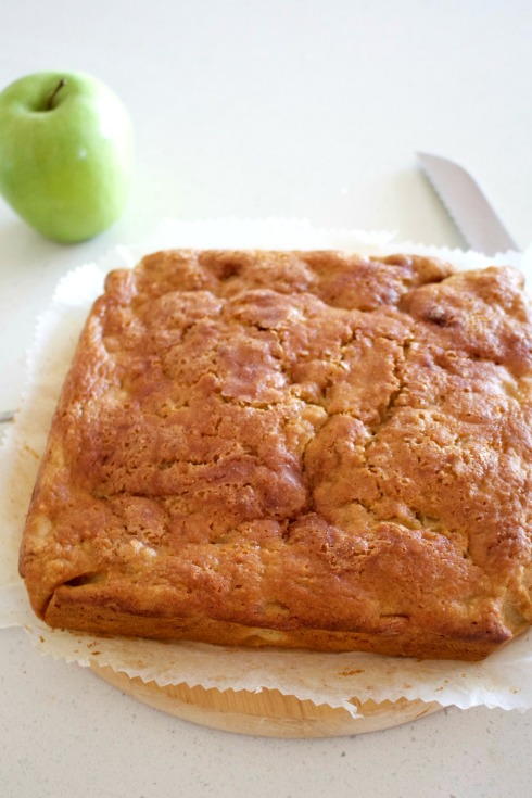apple cinnamon tea cake. The Hungry Mum