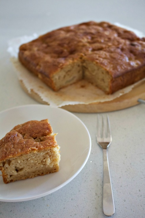 apple cinnamon tea cake. The Hungry Mum.