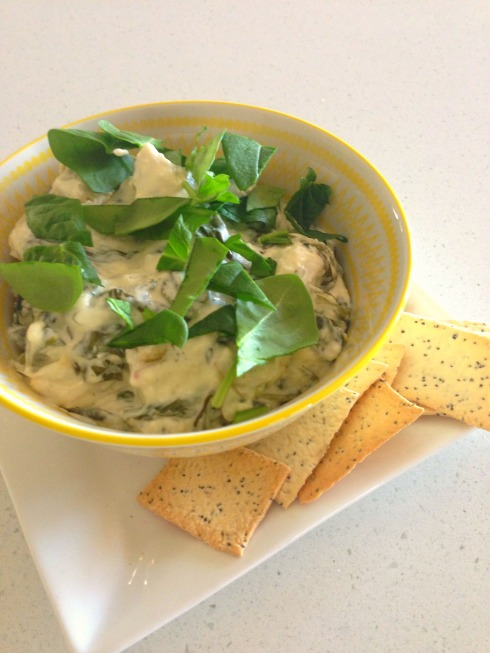 cheesy spinach slow cooker dip - The Hungry Mum