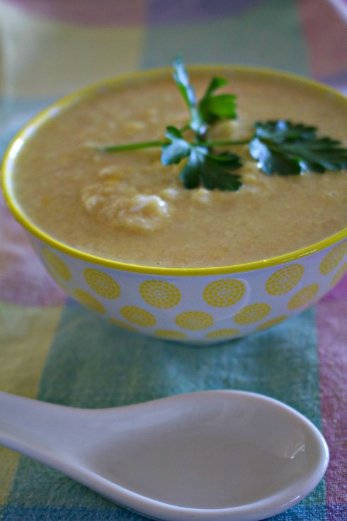 Easy corn and crabmeat soup