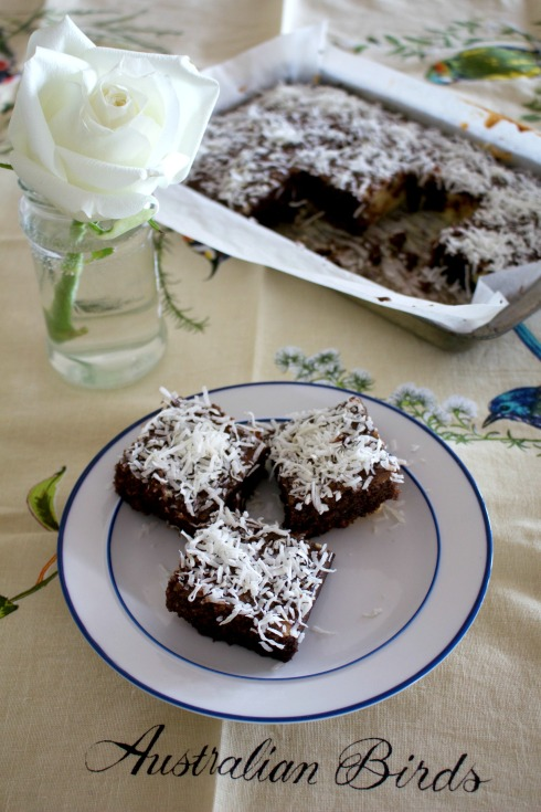 donna-hay-cheats-lamingtons