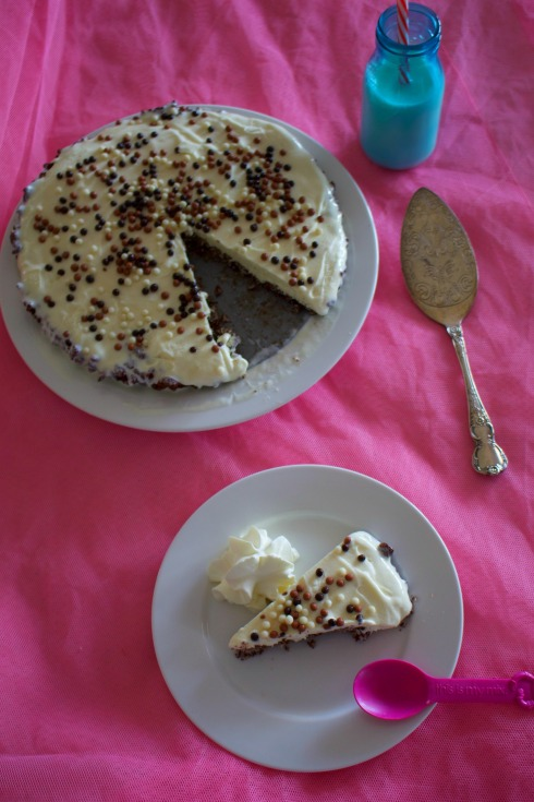 chocolate-crackle-ice-cream-pie