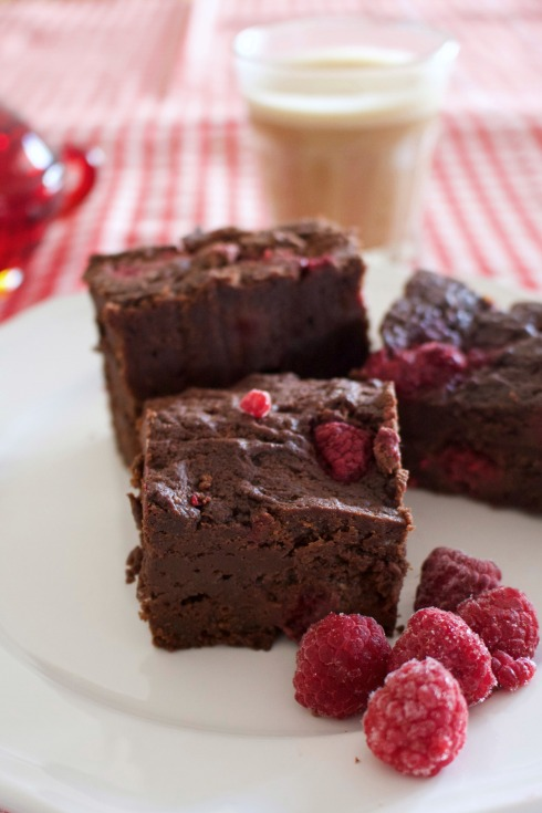 dark-chocolate-raspberry-brownies