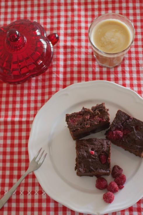 raspberry-dark-chocolate-brownies-recipe