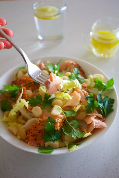christmas-day-salad-with-salmon-and-macadamias