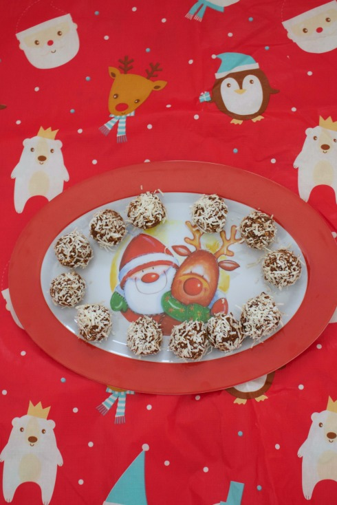 eggnog-balls-an-easy-christmas-dessert