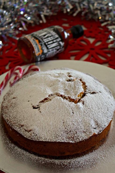 rum-raisin-christmas-spirit-cake