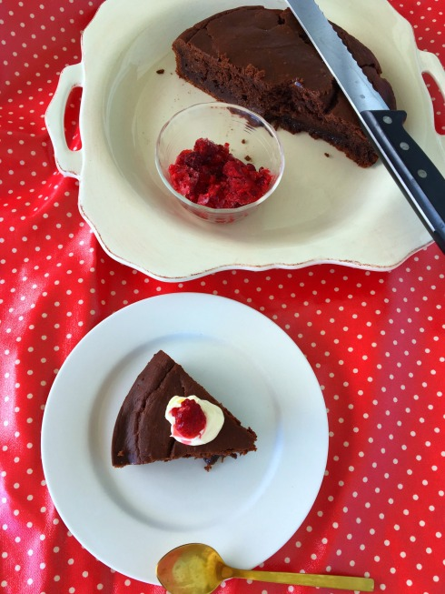 chocolate-chambord-ricotta-cake-with-raspberries