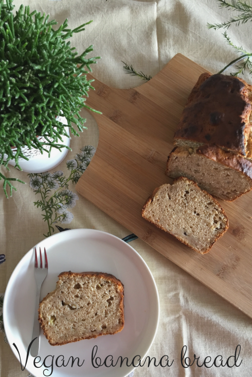 Vegan banana bread - The Hungry Mum..png